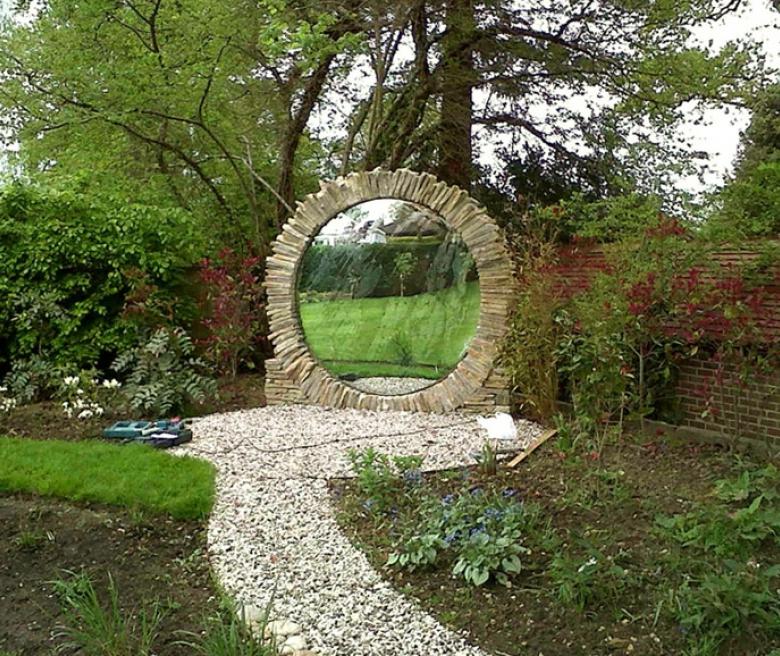 Зеркало в ландшафтном дизайне